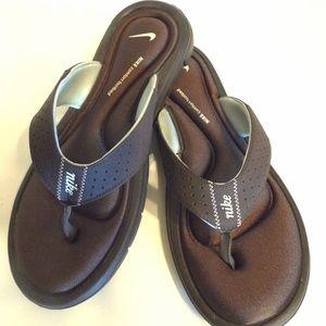 Nike Womens Comfort Flip-Flop Size 9
